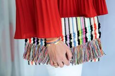 Spring fashion has arrived! Finally the weather is cooperating so I have new bags new shoes and new dresses on my mind. This colorful clutch from @stelladot is on my list. My friend @stylistswap is taking pre-orders for this soon to be sold out must have spring bag. I can't wait to get mine. What's on your wish list?