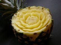 schöne Ananas Blume Schnitzerei