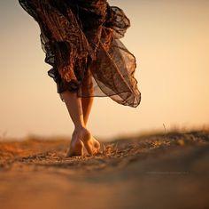 bokeh, desert, dress, feet, freedom, girl, legs, outdoors, photography, skirt, story, sunset, zoom