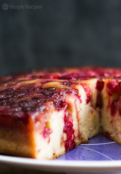 Upside Down Cake Dense and delicious cake with caramelized cranberries. Perfect dessert for…Dense and delicious cake with caramelized cranberries. Perfect dessert for… Thanksgiving Desserts, Holiday Desserts, Holiday Baking, Holiday Recipes, Thanksgiving Sides, Holiday Appetizers, Holiday Cakes, Holiday Foods, Christmas Recipes