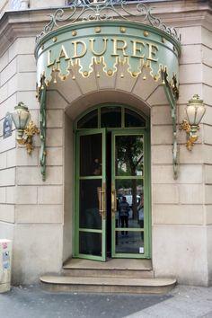 Laudree Paris, France | www.gustoandgraceblog.com #macarons #paris what do do where to eat in Paris