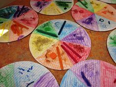 Happy New Year everyone! Try this fun lesson with your kids to help them learn about primary and secondary colors. By making this yummy color wheel pizza, they will learn color theory in a flash. C…