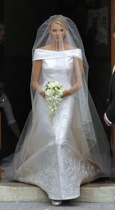 Princess Charlene of Monaco - this is one of my favourite royal wedding dresses. Royal Wedding Gowns, Celebrity Wedding Dresses, Royal Weddings, Wedding Veils, Celebrity Weddings, Wedding Bride, Wedding Ceremony, Princesa Charlene, Royal Brides