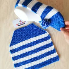 Most up-to-date No Cost Crochet Bag cute Ideas Whether you make your personal handles or choose store-bought (or upcycled) handles, you need to be Crochet Sandals, Crochet Socks, Crochet Baby, Knit Crochet, Crochet Girls, Knitted Booties, Knitted Slippers, Knitted Hats, Easy Knitting