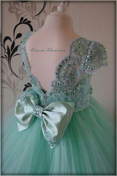 Little Girl Gowns, Gowns For Girls, Girls Pageant Dresses, Girls Party Dress, Little Girl Dresses, Baby Girl Birthday Dress, Birthday Dresses, Baby Dress, Cute Flower Girl Dresses