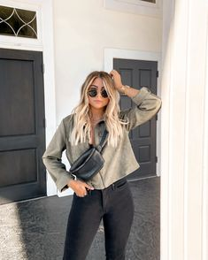 Women Jeans Outfit Wide Leg Jersey Trousers Drop Crotch Trousers Pink Leopard Print Dress Patterned Flared Trousers Grey Work Trousers Jeans And Heels Outfit – orchidrlily Brown Blonde Hair, Grunge Hair, Mode Inspiration, Balayage Hair, Short Outfits, Hair Looks, Short Hair Styles, Hair Beauty, Fashion Outfits