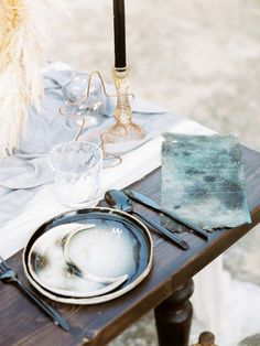 10 a jaw-dropping wedding place setting with a half moon detal, a watercolor menu, a copper star and a black candle - Weddingomania Starry Night Wedding, Moon Wedding, Celestial Wedding, Star Wedding, Glitter Wedding, Fall Wedding, Wedding Ideas, Wedding Decorations, Wedding Inspiration