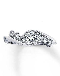 stunning! The Leo Diamond 990510303 990510303 Engagement Ring and The Leo Diamond 990510303 990510303 Wedding Ring