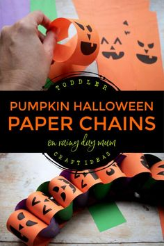 Easy toddler craft to make Halloween paper chains. Get the free printable Jack-o-Lantern faces and create these Halloween Decorations together. Holidays Halloween, Easy Halloween Decorations, Crafts To Make, Easy Arts And Crafts, Printable Crafts, Free Printable, Family Coloring Pages, Easy Toddler Crafts, Halloween Activities For Kids