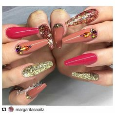 @margaritasnailz DOWNLOAD  THE CHOPPED MOBB APP FOR FREE FOR MORE COOL CUTS, COLORS & MORE ON THE APPLE STORE/ GOOGLE PLAY 