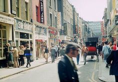 Swinging London Carnaby Street in the sixties Tudor History, British History, Asian History, London History, Swinging London, Carnaby Street, Air Photo, London Pictures, Games