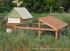 DIY Portable Chicken Run - love me some backyard birdies!