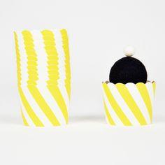 25 caissettes à cupcakes diagonales jaunes