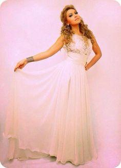 i like white dresses Evening Dresses, Formal Dresses, Wedding Dresses, Hair Images, Favim, Different Styles, Veil, One Shoulder Wedding Dress, Celebrity Style