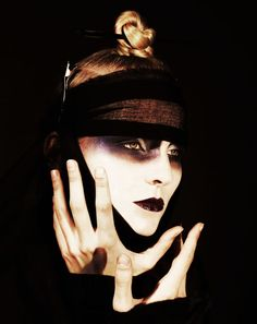 Makeup by Carole Colombani in ENCENS n°27 'Back to Japan', photographed by Sybille Walter and Axl Jansen