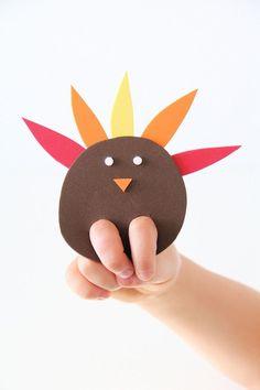 An easy DIY turkey finger puppet craft for kids