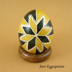 Pysanky Pisanki Ukrainian Polish Easter Egg Gold Forty Triangles Hand Decorated Chicken Egg