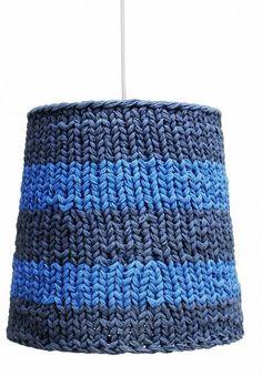 hanglamp blauw gestreept gebreid