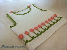 Maglietta fiorellini abbigliamento bambina di MelarossaCreazioni