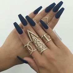 Perfect navy blue matte nails