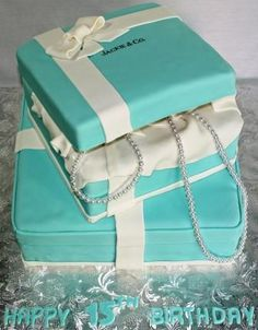 Tiffany's cake. Whenever I'm about to get married, someone please throw me a tiffanys shower. I will love you forever.
