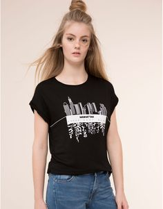 Pull&Bear - mujer - camisetas y tops - camiseta flock manhattan - negro - 09243307-I2015