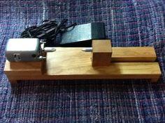 Electric bobbin winder, weaving loom