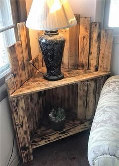 Wonderful Pallet Furniture Ideas and Tutorials wooden pallets bedside table idea Wooden Pallet Projects, Wooden Pallet Furniture, Wooden Pallets, Wooden Diy, Rustic Furniture, Diy Furniture, Pallet Art, Furniture Stores, Furniture Plans