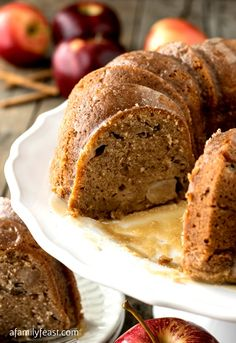 The Best Apple Cake Ever! The perfect sweet and spicy cake, baked with chunks of apples and walnuts and smothered in a sweet, buttery vanilla glaze. So easy to make too! Apple Cake Recipes, Apple Desserts, Just Desserts, Delicious Desserts, Dessert Recipes, Apple Cakes, Cookie Recipes, Cupcakes, Cupcake Cakes