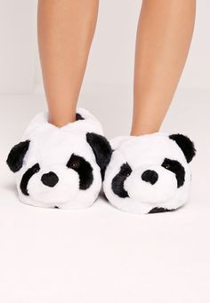 Put your best foot forward in a brand new pair of women's shoes from Missguided. Cute Slippers, Winter Slippers, Kids Outfits Girls, Fashion Line, Ciabatta, Cute Shoes, Shoes Online, Crocs, Pandas