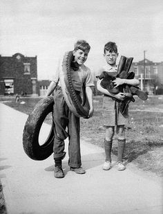 Boys in Montreal gather rubber for the war effort