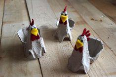 Slepičky z kartonu od vajíček - Z kartonových výlisků od vajíček si můžete… Easter Crafts, Art School, Origami, Christmas Ornaments, Create, Holiday Decor, Kids, Creativity, Blog
