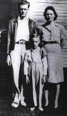 Young Elvis with parents
