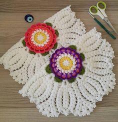 Bade Sultan Lif Yapılışı Crochet Garland, Crochet Doily Patterns, Crochet Doilies, Free Printable Gift Tags, Label Paper, Crochet Tablecloth, Knitting Videos, Diy And Crafts, Crochet Earrings