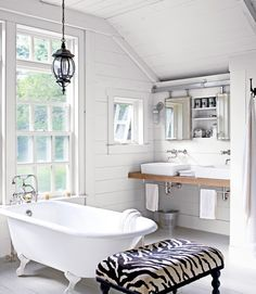 Traditional Master Bathroom with Clawfoot & Wall sconce