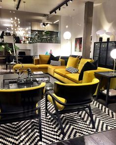 Yellow Living Room Ideas for Freshly Looking Space - Bohemian Wohnzimmer Living Room Grey, Small Living Rooms, Living Room Sofa, Home Living Room, Living Room Designs, Living Room Decor, Lounge Design, Sofa Design, Interior Design