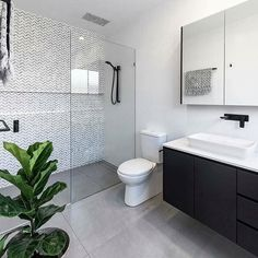 44 creative tiny house bathroom remodel ideas to make it look larger 27 - Großes Bad - Bathroom Decor Ensuite Bathrooms, Tiny House Bathroom, Laundry In Bathroom, Bathroom Renos, Bathroom Renovations, Home Remodeling, Bathroom Ideas, Master Bathroom, Bathroom Inspo