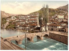[Sarajcvo (i.e., Sarajevo), looking toward Alifakovak, Bosnia, Austro-Hungary], 1890-1900