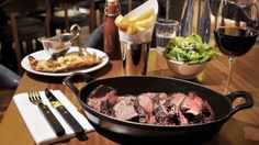 The best places for breakfast, lunch, dinner, light bites and big meals in London. Discover the best places to eat in London. Best Steak Restaurants, Gluten Free Restaurants, London Restaurants, British Restaurants, London Eats, London Food, Essen In London, Bar Catering, Recipe Icon