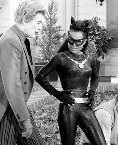 Eartha Kitt Cesar Romero, from the Batman television show. She's my favorite Catwoman! Batman Y Robin, Batman 1966, Superman, Eartha Kitt, Video X, Old Tv Shows, The Villain, Classic Tv, Celebs