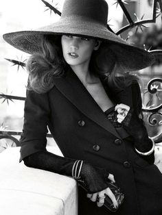 She's glamorous - via  laviearose:    imgend  laviearose kendra spears by giampaolo sgura vogue germany