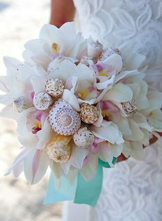 I will have this bouquet for our wedding!  I got the idea from the Martha Stewart collection through Sandals resorts.