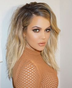 Meaning of the dream in which you see the Khloe Kardashian. Detailed description about dream Khloe Kardashian. Khloe Kardashian Hair Ombre, Khloe Hair, Kardashian Jenner, Corte Y Color, Gorgeous Hair, Gorgeous Blonde, Ombre Hair, Trendy Hairstyles, Hair Colors