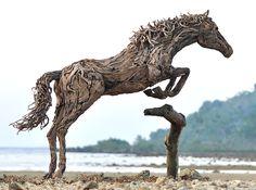 Sculptures de Chevaux en Bois Flotté par James Doran-Webb - Chambre237