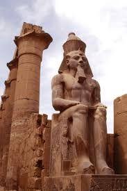 Tour en el templo de Luxor,  en la cidad Luxor en la orilla oriental del Nilo en Luxor para unas de las visitas mas interesantes #tour_luxor #Egipto #tour_desde_Hurgada