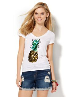 Shop V-Neck Tee - Sequin Pineapple . Find your perfect size online at the best price at New York & Company.