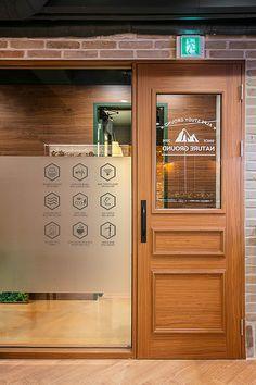 Booth Design, Wall Design, Bakery Interior, Interior Design, Study Cafe, Cafe Door, Cafe Sign, Bakery Design, Coffee Shop