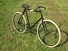 *A V'nŠtia Path Racer. An early century bicycle offered with a frame numbered Velo Vintage, Vintage Bicycles, Fixed Gear Bike, Bike Run, Cycling Equipment, Cycling Bikes, Vw Minibus, Antique Bicycles, Retro Bike