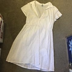 Lace eyelet dress Worn twice. Pretty white eyelet sundress perfect for running errands or casual formal events! 100% cotton, is lined Old Navy Dresses