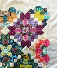 Hexagon Pattern, Hexagon Quilt, Quilt Block Patterns, Pattern Blocks, Quilt Blocks, Alphabet Quilt, Summer Quilts, Flower Quilts, English Paper Piecing